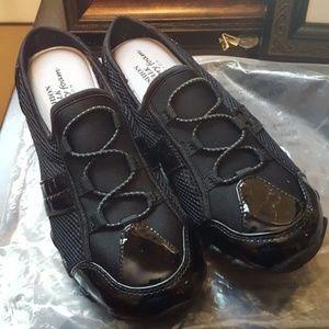 AVON CUSH WALK MEMORY FOAM BLACK SLIP ON SNEAKERS